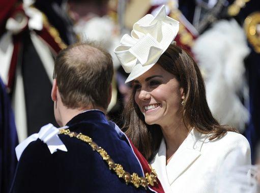 Kate Middleton White Facinator