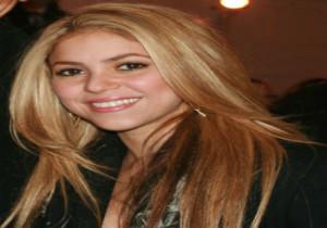 10-Shakira