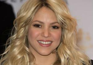 8-Shakira